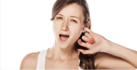 Gãi tai nếu bị vướng trong cổ họng