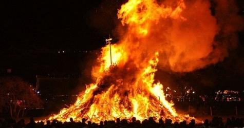 Đốt lửa