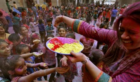 Lễ hội màu sắc Holi, Ấn Độ