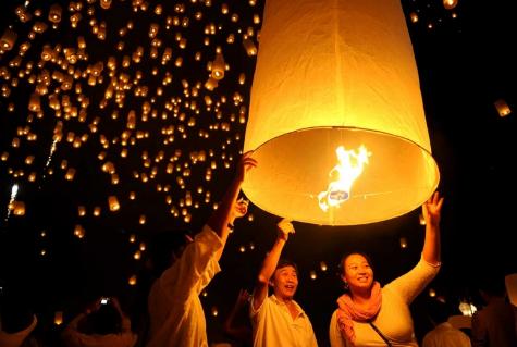 Lễ hội thả đèn trời Yi Peng, Thái Lan